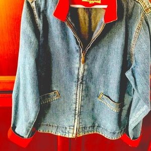 Jean jacket with red cotton collar & cuffs zipped